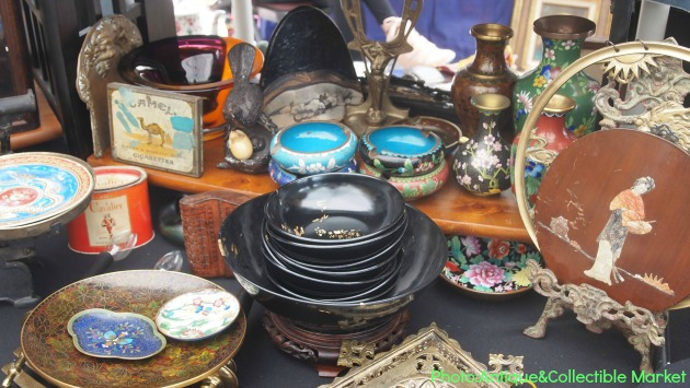 Antique and Collectible Market